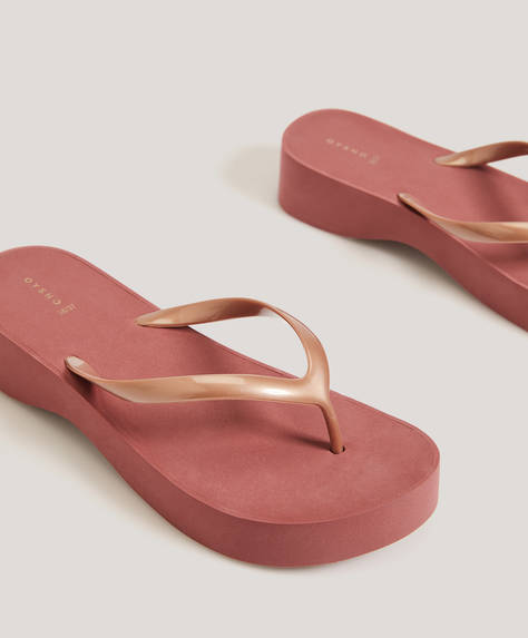 Pink beach wedges