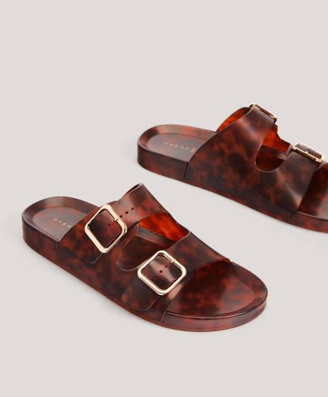 Buckle beach sandals