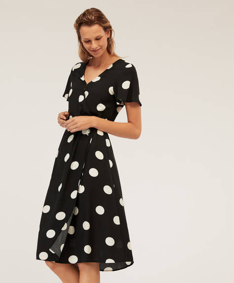 Black dotty nightdress