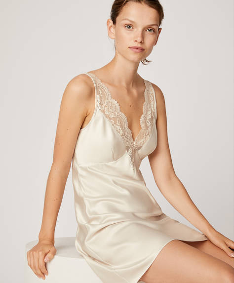 Essential Lace short nightdress