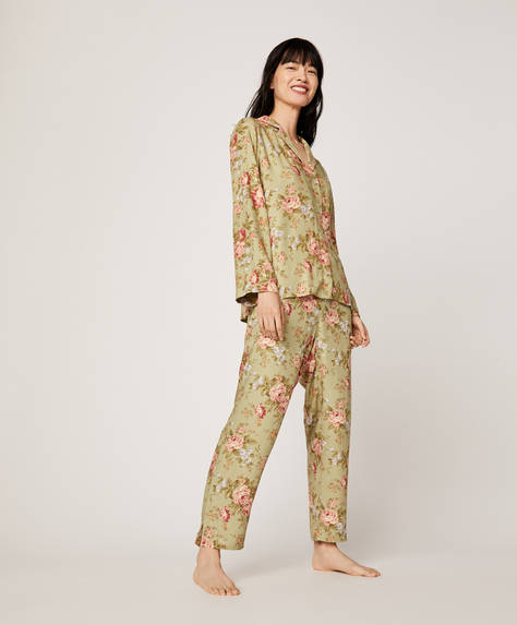 Cretonne trousers with green background