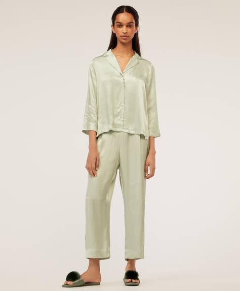 Pantaloni ampi verde acqua.
