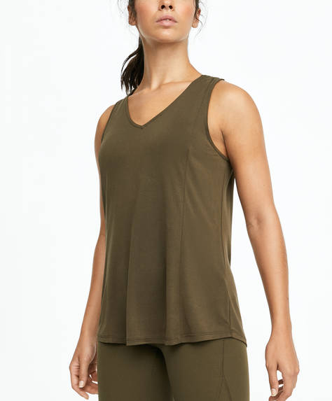 Modal T-shirt with back slit