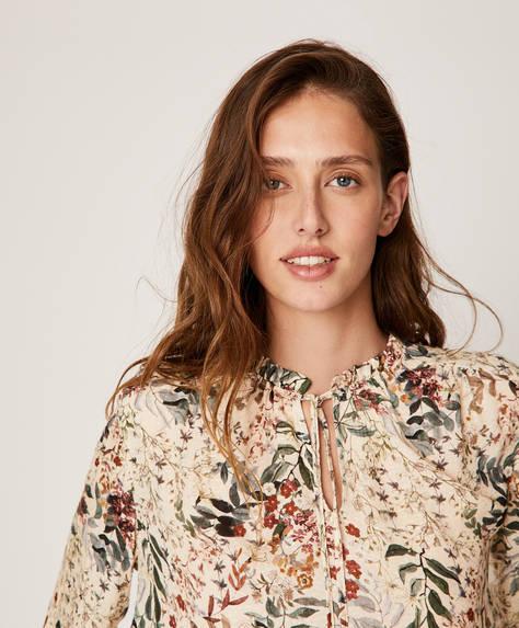 Camisa flor delicada