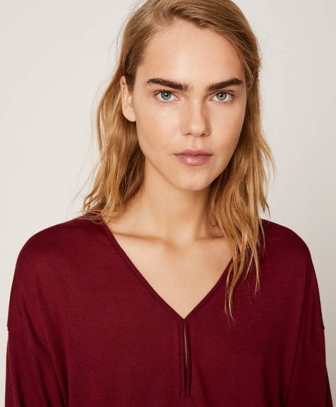 Plain burgundy T-shirt
