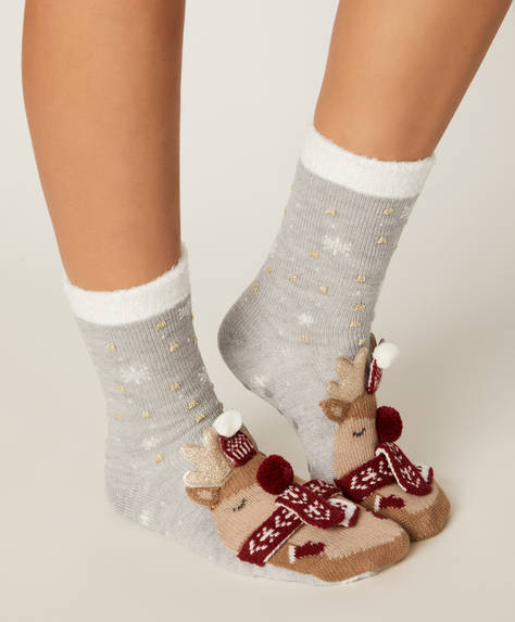 1 pair of reindeer socks