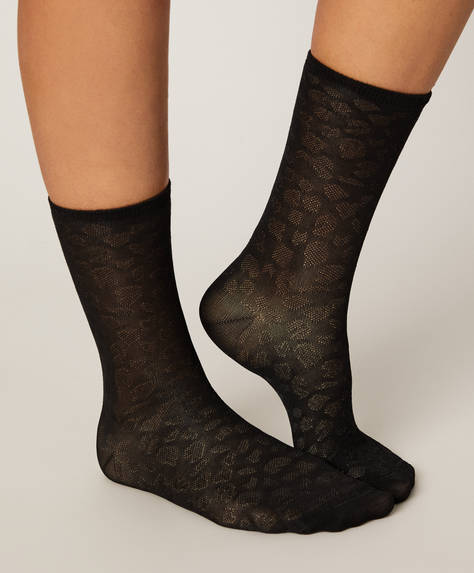 2 pack of socks with satin-feel spots