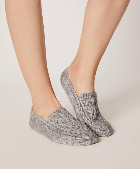 1 paire de chaussettes-pantoufles en maille