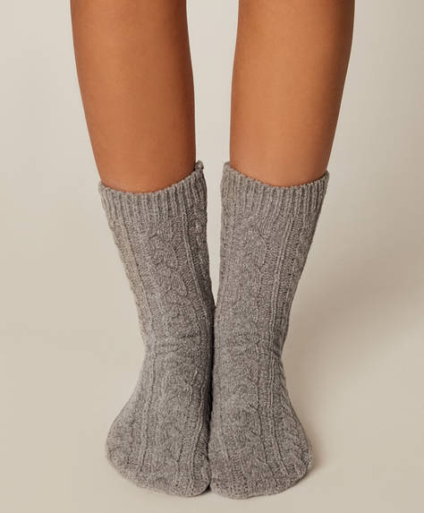 1 pair of grey chenille socks