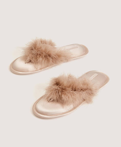 Chaussons tongs fausse fourrure