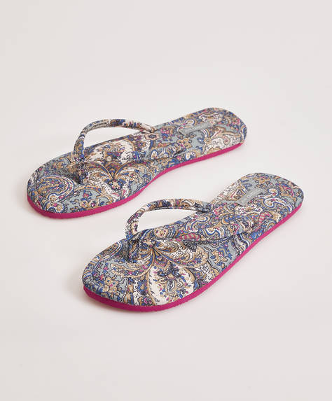 Sandaal met paisley print