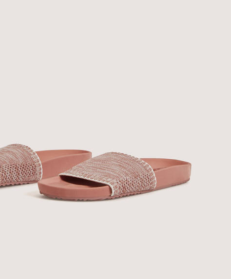 Sandals with stretch upper