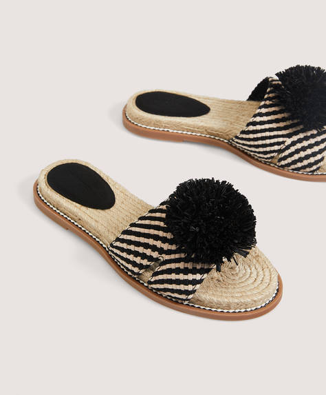 Braided sandal with pompom