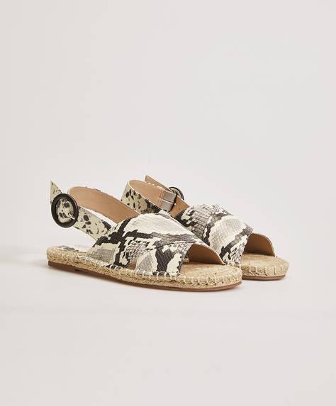 Sandalen mit Tierprint