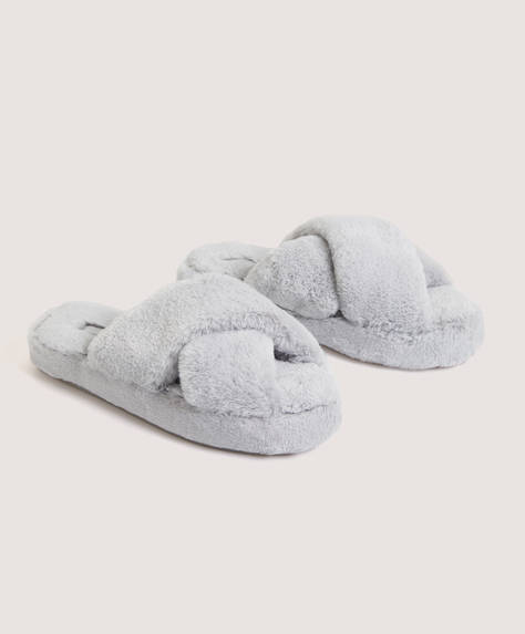Fuzzy flatform house slippers