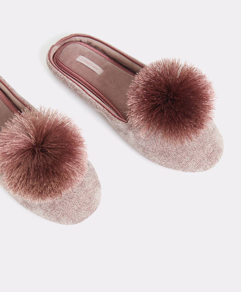 Slippers con pompon in satin