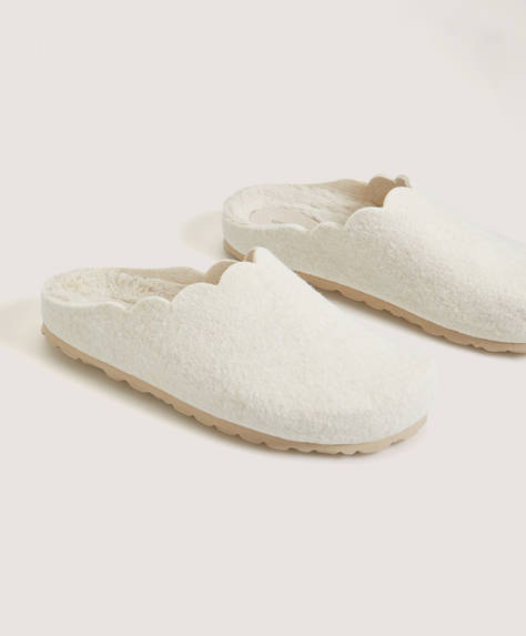 Slipper basic con pelliccia sintetica all'interno
