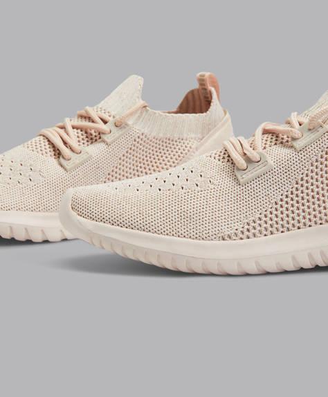 Kolorowe buty sportowe z elastycznego materiału