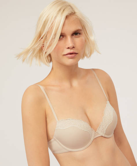 Lightly-padded bra with lace detail