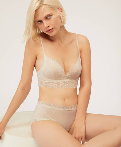 Lace bra with light padding
