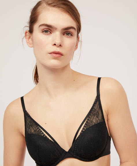 Strappy push-up bra with lace