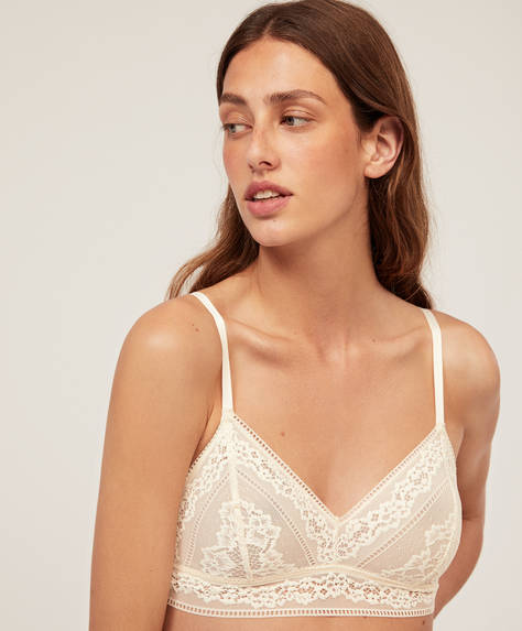 Non-wired floral lace bra