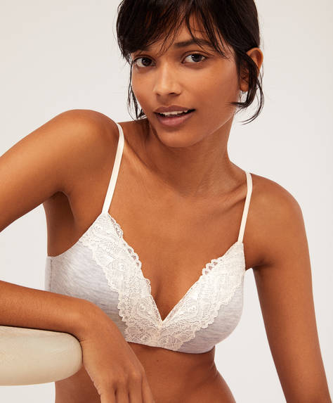Non-wired bra with lace detail