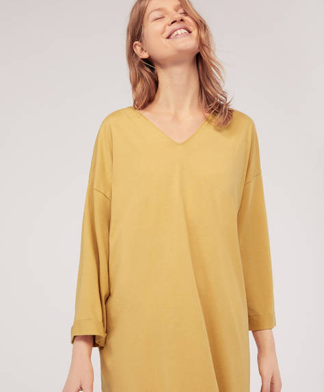Plain straight-cut nightdress