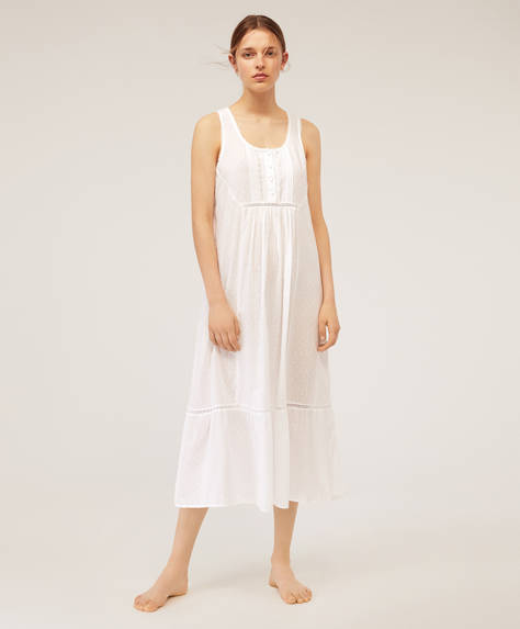 Embroidered sleeveless nightdress
