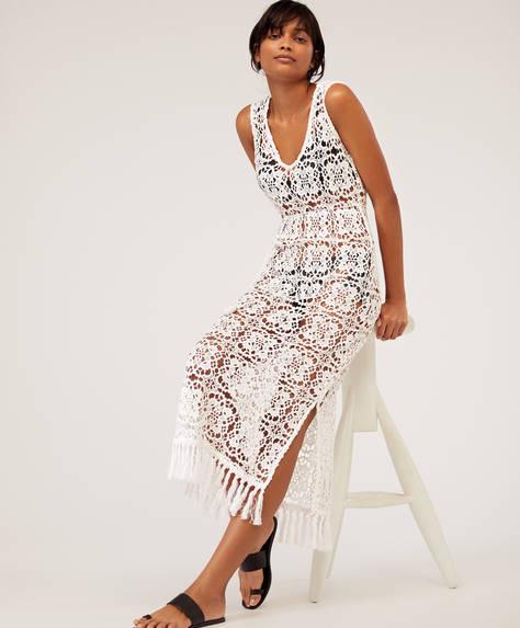 Вязаное кружевное платье с бахромой