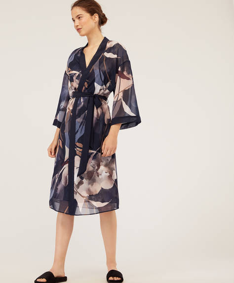 Chiffon bath robe with black background