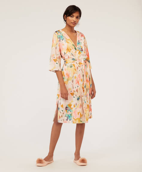 Pastel paint spot bath robe