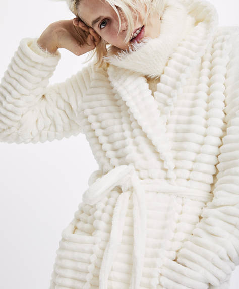 Bath robe with wide stripes