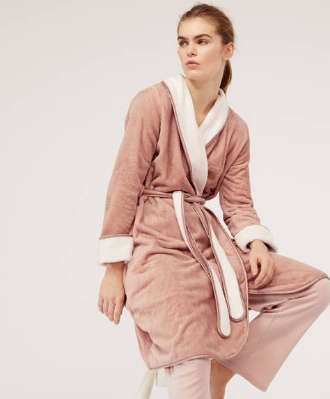 Piped bath robe
