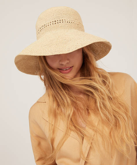 Handmade raffia hoed