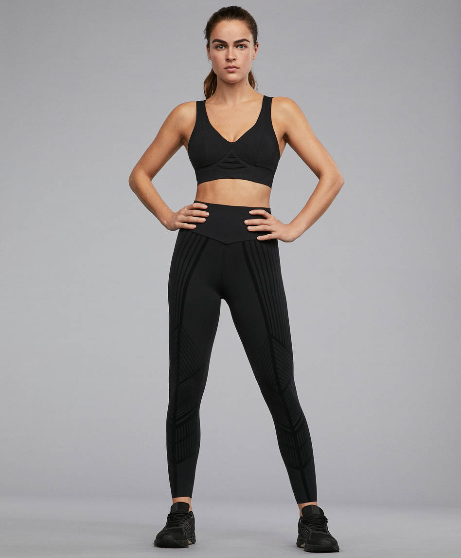 0ae2b95952c33 View All - Leggings - By Products - OYSHO SPORT