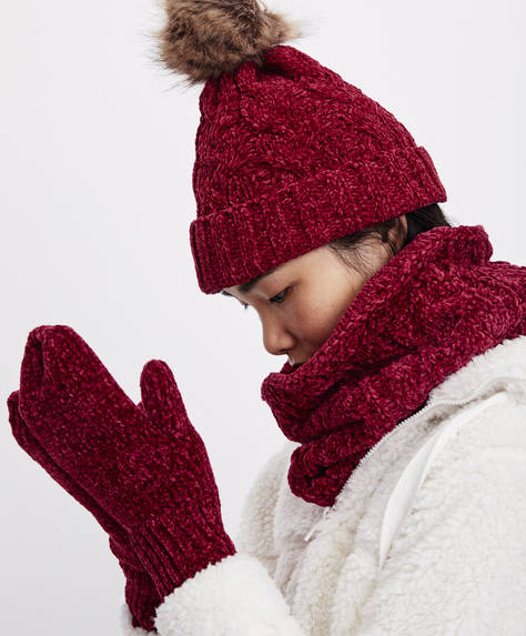 Red chenille cowl