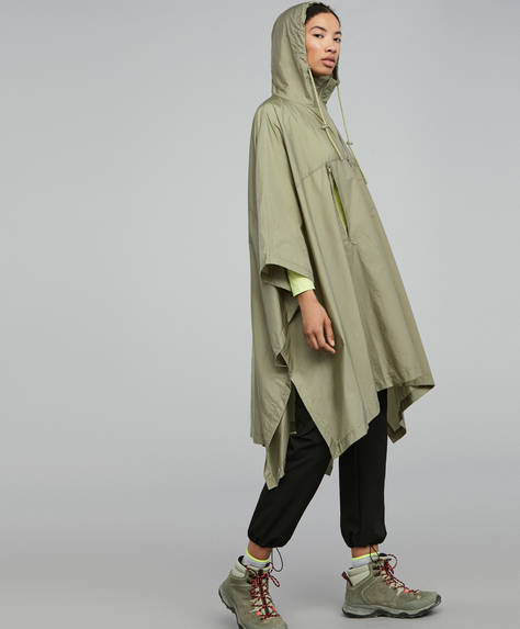 Light rain poncho for Trekking