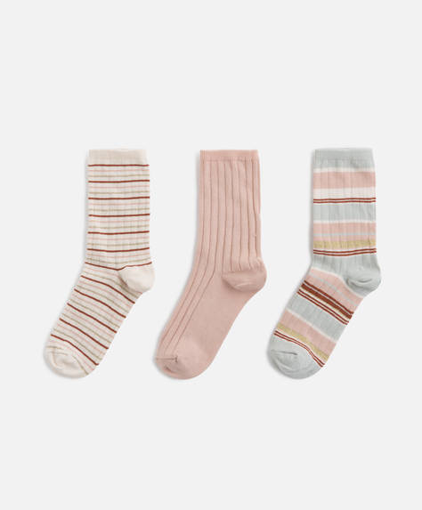 3 pairs of ribbed socks