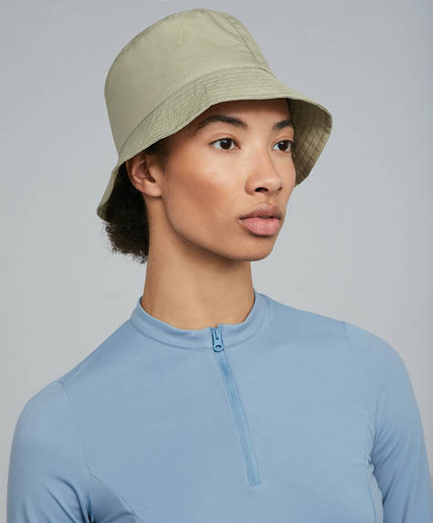 Durable water-repellent hat