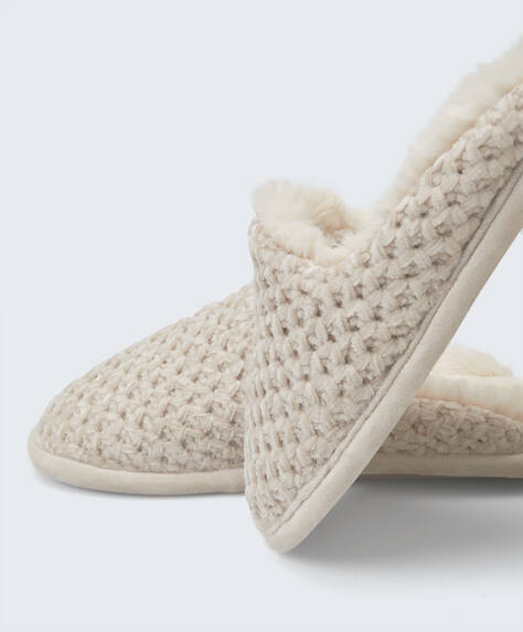 Chaussons basiques chenille