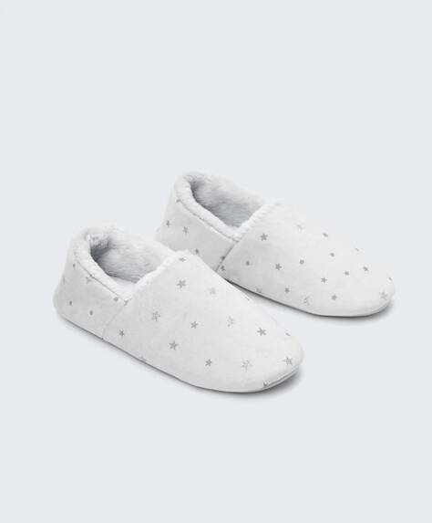 Star closed slippers