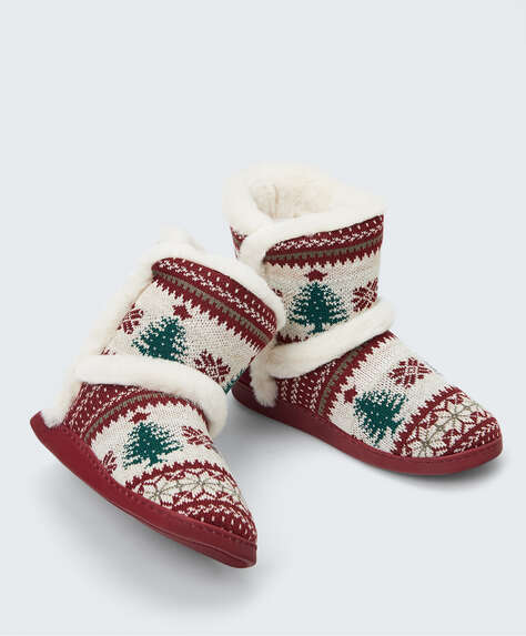 Boots with Christmas motifs