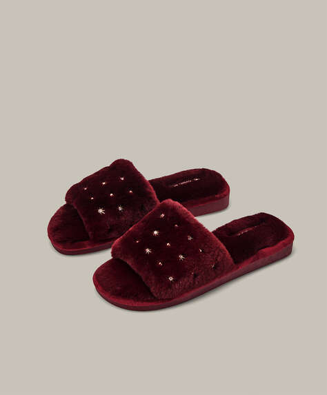 Appliqué furry slides