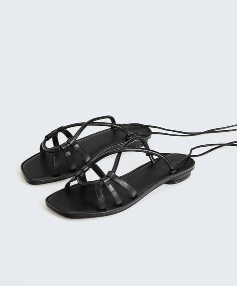 Sandales unies à nouer