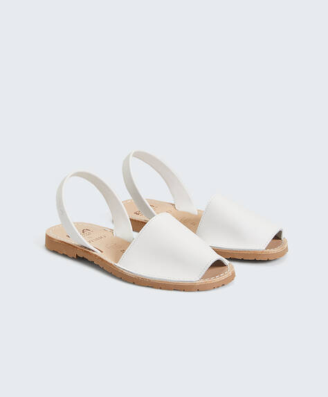 Chaussures minorquines RIA pour Oysho blanches