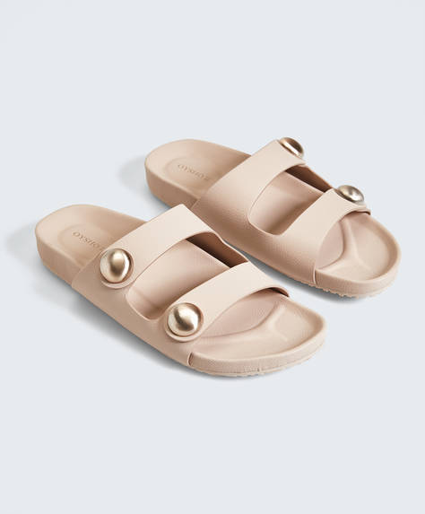 Sandalen met metalen applicaties