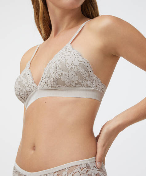 Lightly padded cup lace triangle bra