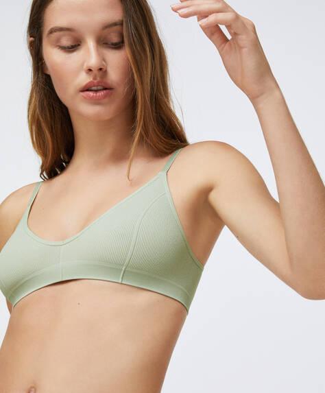 Seamless non-wired triangle bra