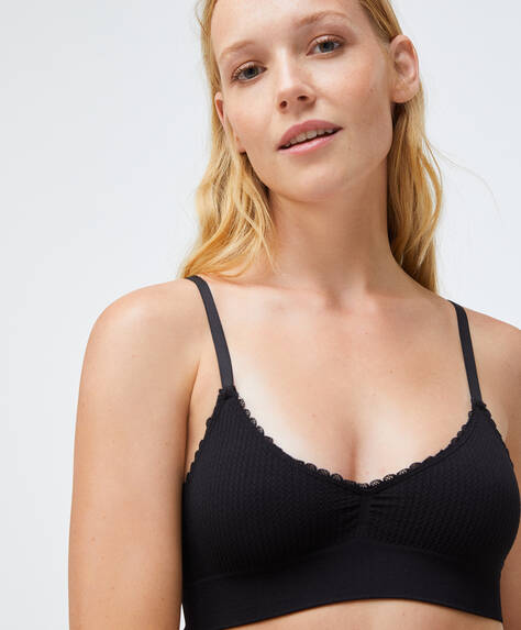 Seamless loop triangle bra